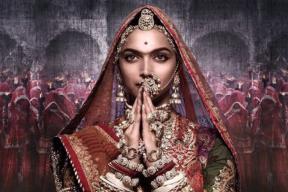 Padmavati: It's Tough to Take Eyes Off Deepika As Rani Padmavati