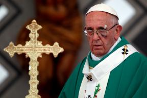 62 Conservatives Accuse Pope Francis of Spreading Heresy, A First in 700 Years