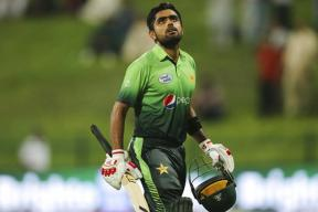 Babar Azam and Shadab Khan Steer Pakistan to Win in Second ODI