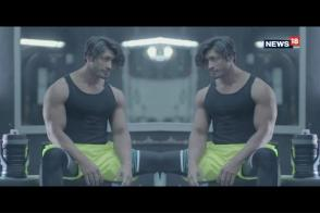 Vidyut Jammwal Tells You About Straight Arm Push Ups