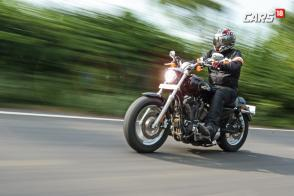 2017 Harley-Davidson 1200 Custom Review: The Brawny Mile Muncher