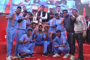 Jaipur Lifts Wonder Cement's Saath7 Cricket Mahotsav Trophy