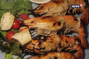 Make Juicy Grilled Jumbo Prawns in Under 30 Minutes