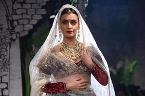 Dia Mirza at India Couture Week 2017