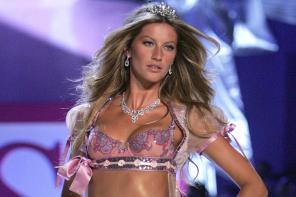 Happy Birthday Gisele Bundchen