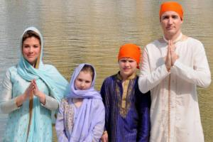 Canadian PM Justin Trudeau Offers Prayers at Golden Temple