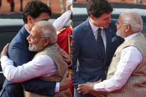 PM Modi Welcomes Candadian PM Justin Trudeau With a Hug