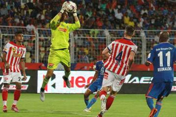 ISL 2015: 10-man Atletico de Kolkata hold FC Goa to a 1-1 draw