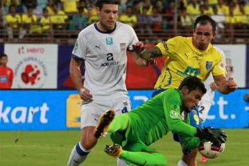 ISL 2015: Kerala Blasters FC, Mumbai City FC play out goalless draw