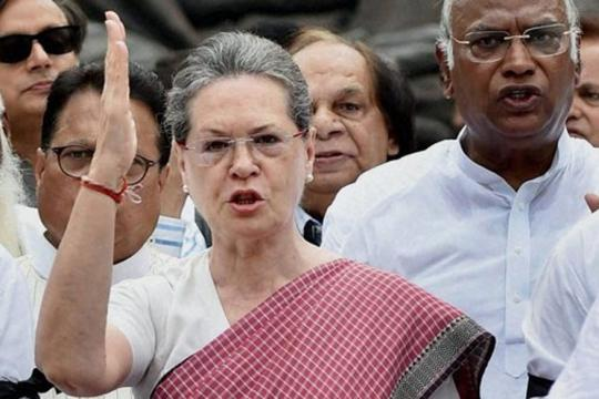 Sonia Gandhi Accuses Modi of 'Sabotaging' Parliament, Jaitley Says Session Would be Held