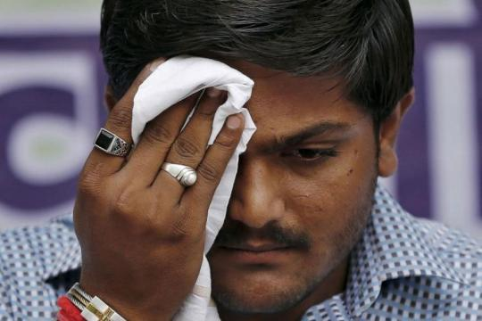 'Was Offered Rs 1 Crore to Join BJP,' Claims Hardik's Aide Narendra Patel