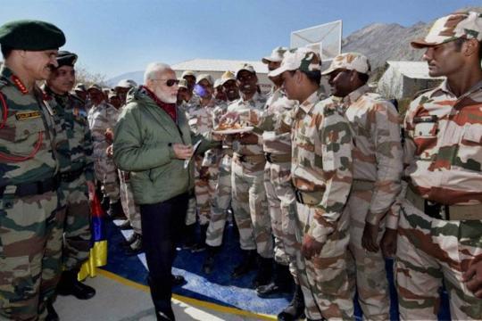 PM Modi, Army Chief Celebrate Diwali With Jawans in Jammu and Kashmir's Gurez
