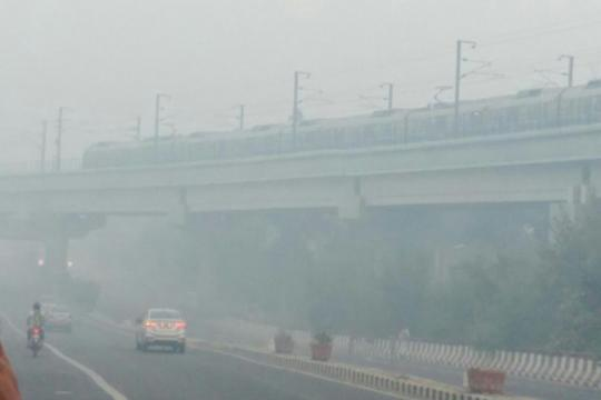 Blanket of Smog Envelopes Delhi After Diwali, But Air Quality Better Than Last Year