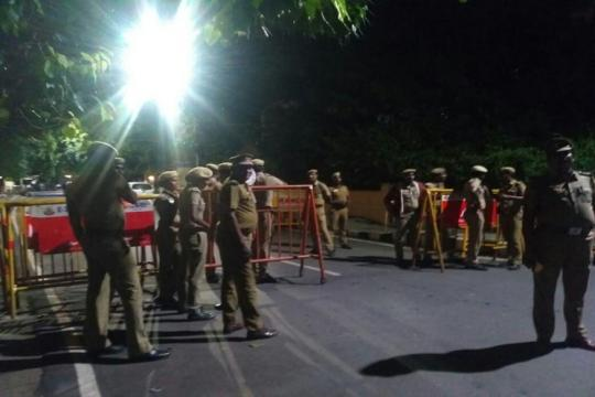 I-T Dept Conducts Search Ops at Poes Garden Residence of Jayalalithaa