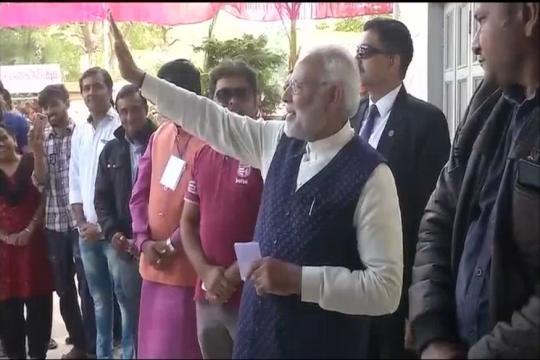 Congress Trains Guns on Chief Election Commissioner Joti Over PM Narendra Modi's 'Roadshow'