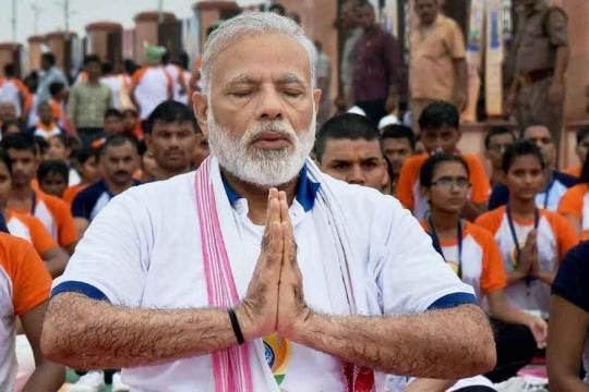 World Economic Forum Preps for Modi Mantra With Tastes of India, Twists of Yoga