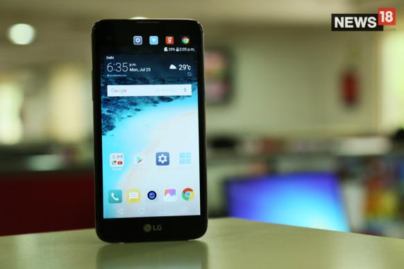 LG X Screen Review: Dual Display Is The Only Good Thing In This Phone
