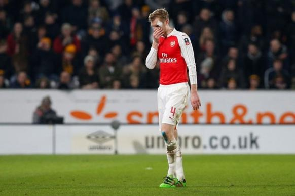 Arsenal's Mertesacker Out for a 'Few Months', Says Wenger
