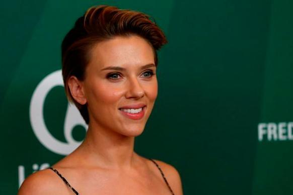 Scarlett Johansson Opens Up on Dating, Again