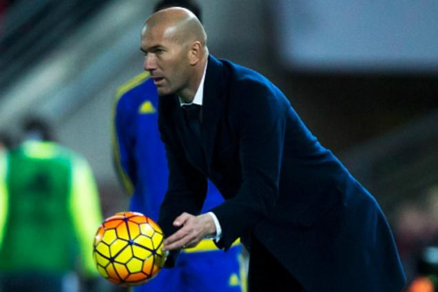 Real coach Zidane applauses Modric for his late strike