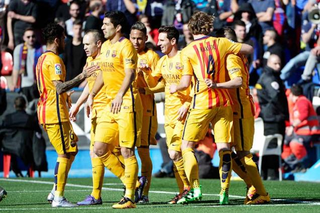 Barcelona equal unbeaten record with Levante win