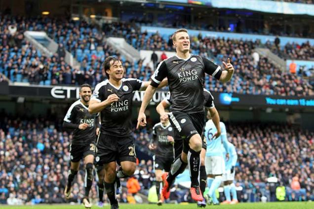 Leicester City beat Manchester City 3-1 to go six points clear at top