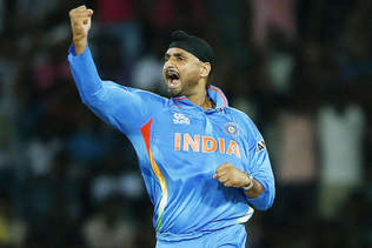 Gautam Gambir scored 45 off 38 balls. India's 100 came up in the 14th over with Gambhir getting a boundary through the extra cover region. (Getty Images)