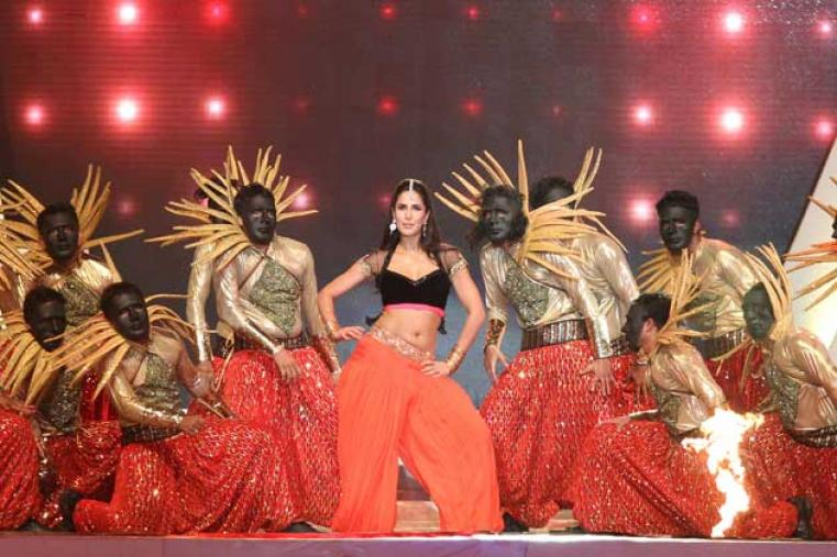 Actor Katrina Kaif also danced to famous Bollywood numbers to set the tone on a glitzy evening in 'The City of Joy'.