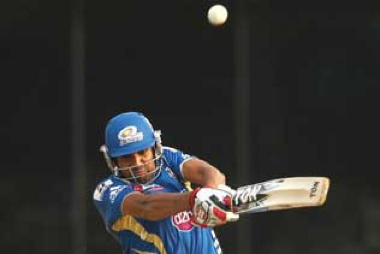 Opener Kusal Perera (64) scored his maiden T20 fifty as Sri Lanka made a massive 198 for 5. (AFP Photo)