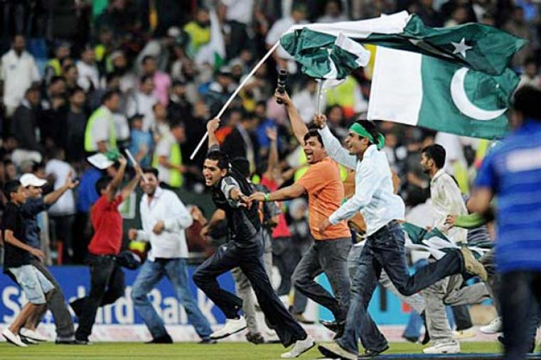 Pakistan fans were given plenty to cheer about when their team beat India by 54 runs in the sixth match at Centurion. (Getty Images)