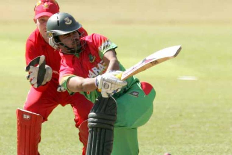 Shamsur Rahman made just 2 before getting out to offspinner Prosper Utseya in the very first over of their innings. (AFP)