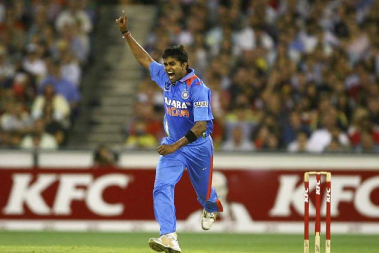 The highest wicket-taker for Royal Challengers Bangalore in IPL 6, Vinay Kumar has impressed with his temperament while bowling in the death overs. (Getty Images)