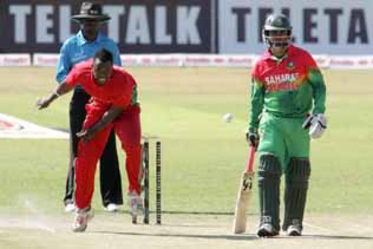 Brian Vitori picked up one wicket for Zimbabwe, while Tamim Iqbal made 43 off 30 for Bangladesh. (AFP)