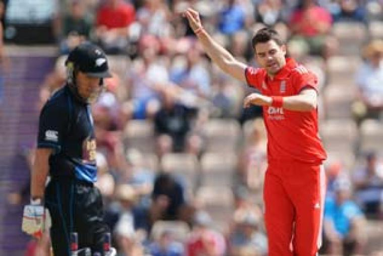 James Anderson once again gave England the perfect start as he cleaned up New Zealand opener Luke Ronchi for two runs.