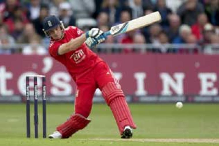 Wicketkeeper-batsman Jos Buttler smashed a 16-ball 47* towards the end to propel England to 286 for 6. (AP Photo)