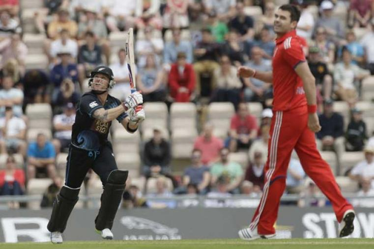 Brendon McCullum made a quickfire 40 not out in just 19 deliveries. He and Guptill added 118 runs in just 50 balls.