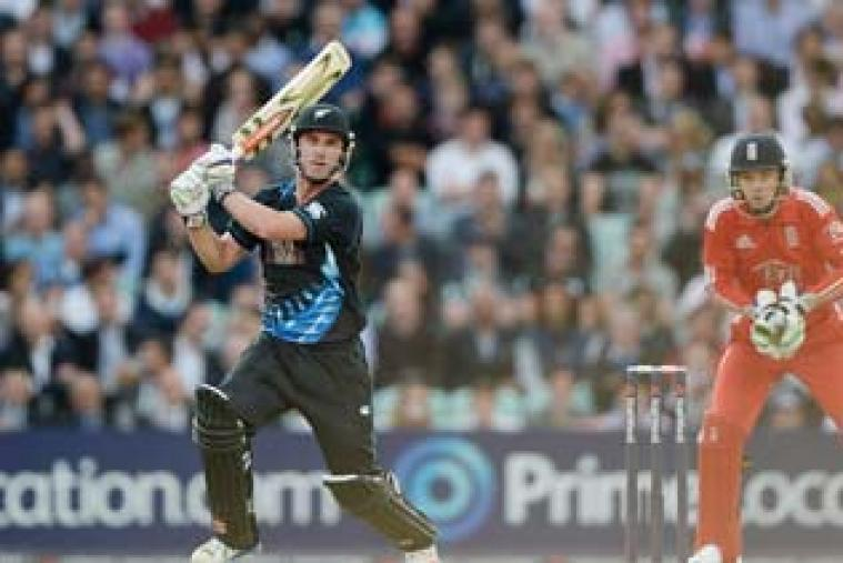 Opener Hamish Rutherford scored a blistering 62 off 35 to guide New Zealand to 201 for 4 against England in the first Twenty20 match at The Oval.