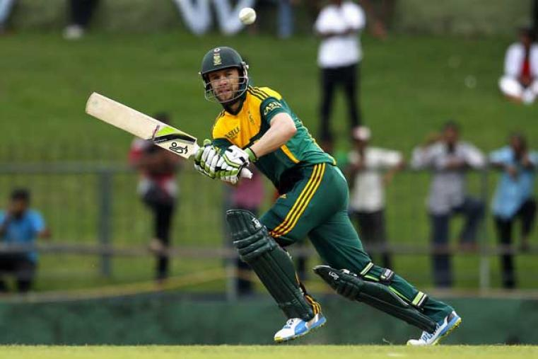 Skipper Ab de Villiers supported Miller with a gritty 47 and put on 48 runs with Miller for the sixth wicket.