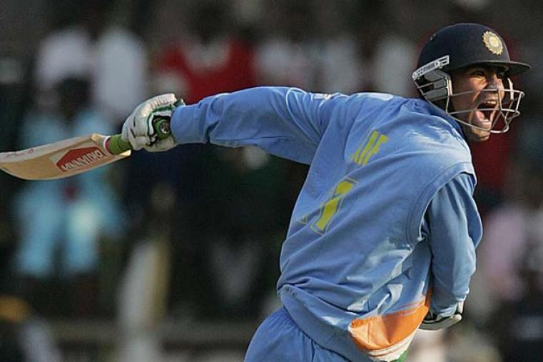 Mohammad Kaif's unbeaten 102 helped India chase 279 against New Zealand with six wickets and 15 balls remaining in their third game.