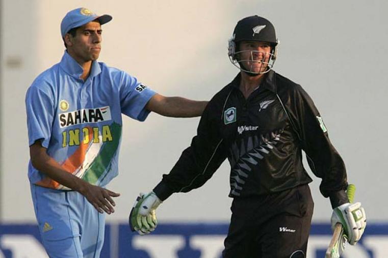 In the final, India were beaten by New Zealand with Nathan Astle scoring 115 not out in a six-wicket win.