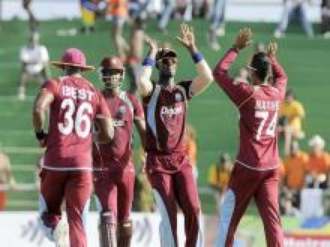 Mystery spinner Sunil Narine celebrates after dismissing Pakistan skipper Mohd Hafeez for 13 runs. (WICB Media)