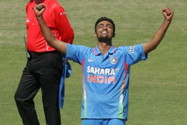 Making his ODI debut for India, Jaydev Unadkat dismissed Brendan Taylor for 12 to claim his first ODI wicket.