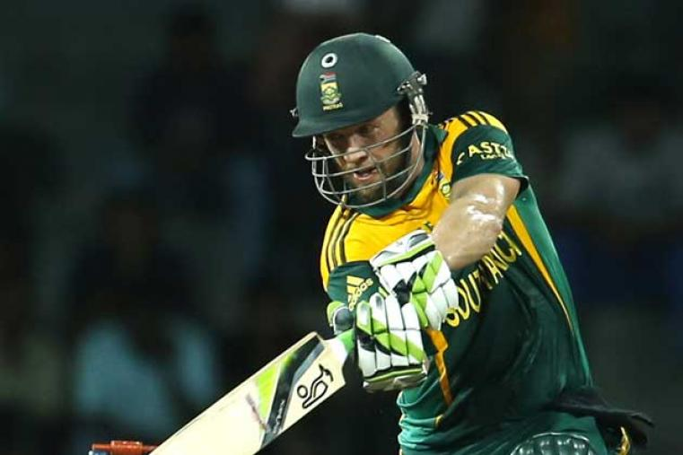 Sri Lankan bowlers soon took control of the game, but skipper AB de Villiers waged a lone battle in the middle scoring 51 off 51 balls. (AP Images)