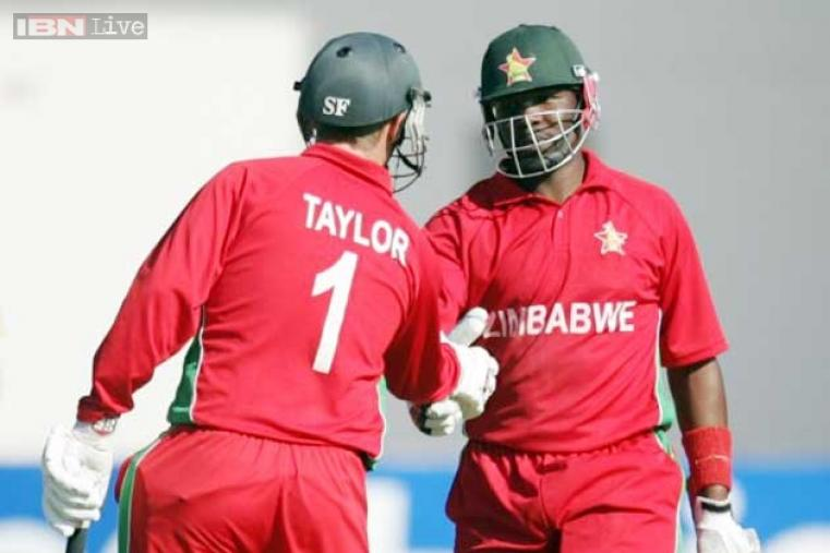 Hamilton Masakadza and Vusi Sibanda added 104 runs for the opening wicket. After Sibanda's departure, Masakadza continued the chase in company of skipper Brendan Taylor, who remained unbeaten on 43 runs. (AFP)
