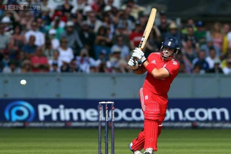 Michael Lumb scored 43 off just 27 balls and had 111-run partnership with Hales. (AP Photo)