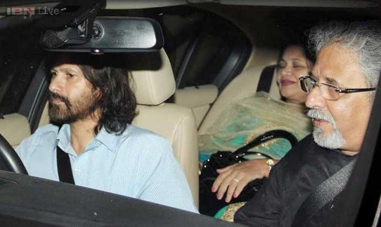 Sachin's elder brother Ajit Tendulkar arrives.