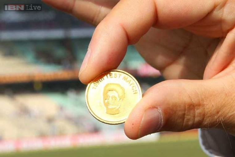 The gold coin for the toss was also specially designed for the occasion.