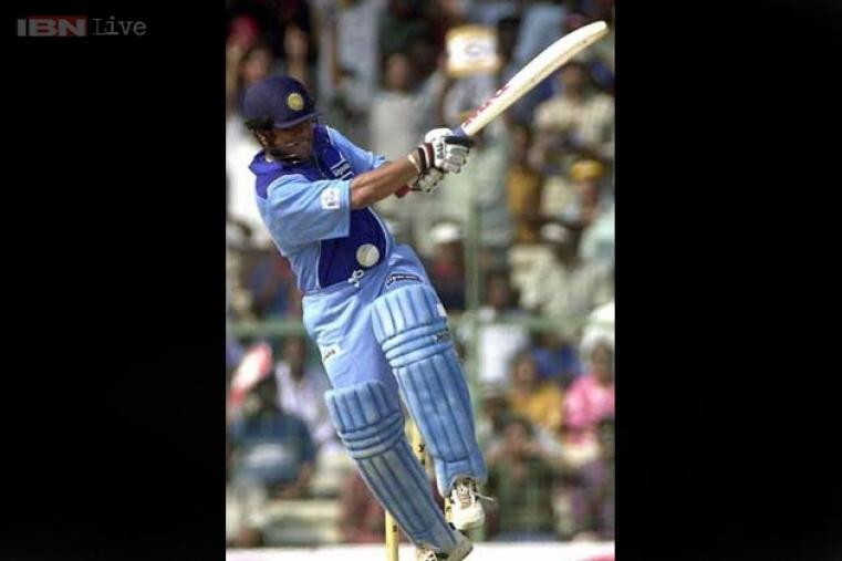 Hundred No. 10: 105 vs West Indies at Sawai Mansingh Stadium, Jaipur on 11 November, 1994