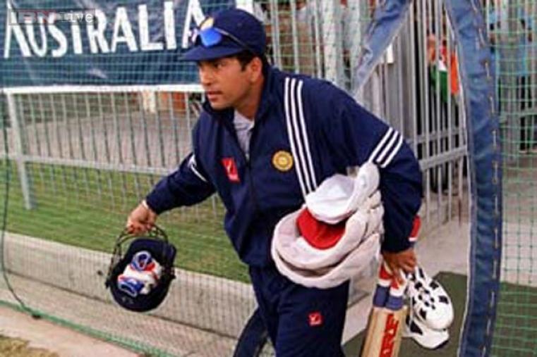 Hundred No. 16: 118 vs Pakistan at Sharjah Cricket Association Stadium, Sharjah on April 15, 1996
