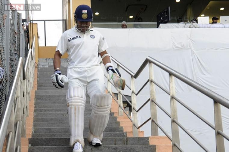 The moment of the opening day arrived when, after India bowled West Indies out for 182, Sachin came out to bat to a thunderous welcome by the Wankhede crowd.